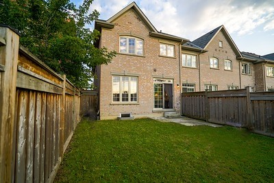 Townhouse at 34 Millhouse Crt, Vaughan, Ontario. Image 13