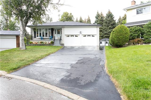 Detached at 173 Mill Pond Crt, Richmond Hill, Ontario. Image 8