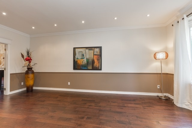 Detached at 31 Gatcombe Circ, Richmond Hill, Ontario. Image 15