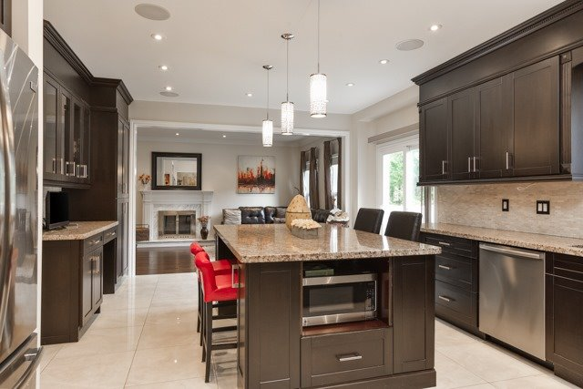 Detached at 31 Gatcombe Circ, Richmond Hill, Ontario. Image 18
