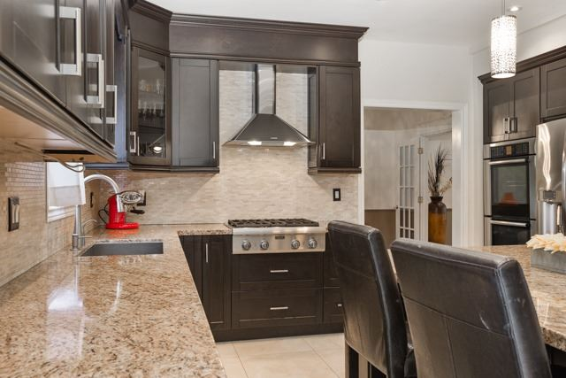Detached at 31 Gatcombe Circ, Richmond Hill, Ontario. Image 19