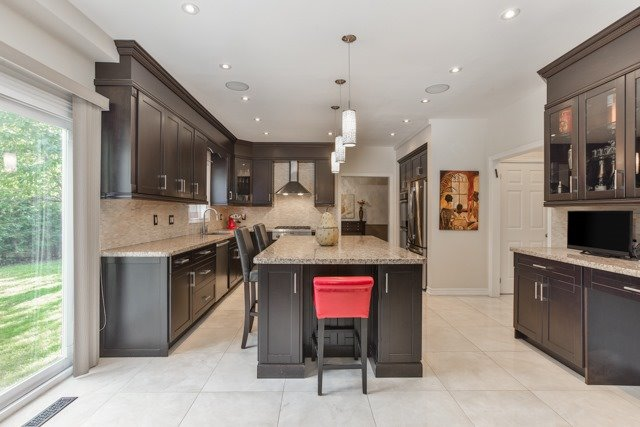 Detached at 31 Gatcombe Circ, Richmond Hill, Ontario. Image 20