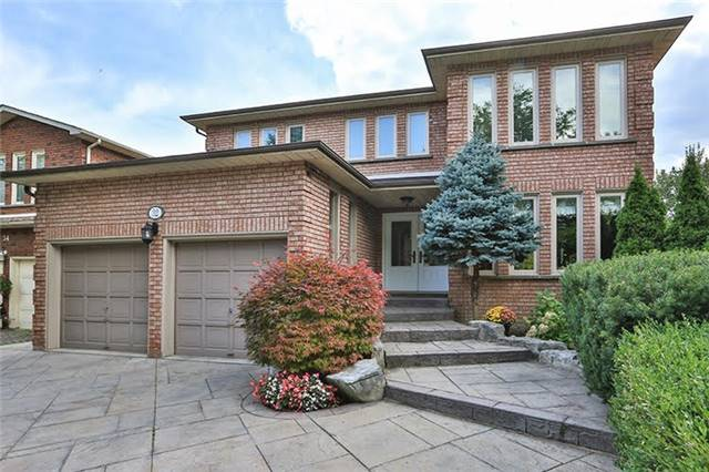 Detached at 32 Valleyview Rd, Markham, Ontario. Image 1
