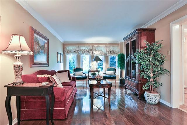 Detached at 32 Valleyview Rd, Markham, Ontario. Image 15