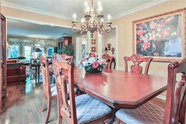 Detached at 32 Valleyview Rd, Markham, Ontario. Image 17
