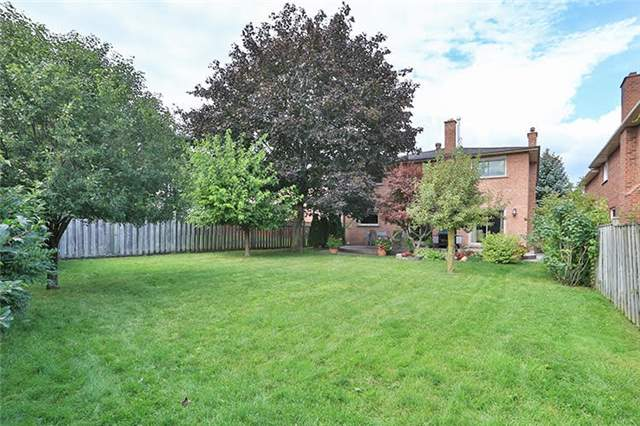 Detached at 32 Valleyview Rd, Markham, Ontario. Image 11