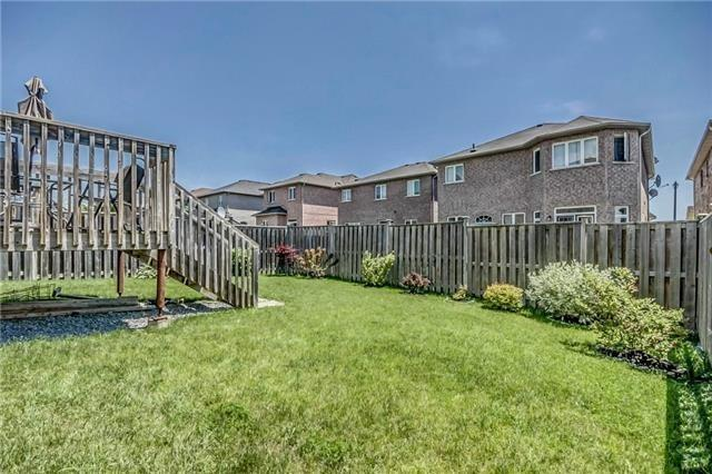 Detached at 17 Batchford Cres, Markham, Ontario. Image 11