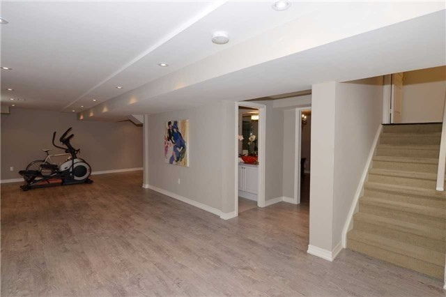 Detached at 123 Oberfrick Ave, Vaughan, Ontario. Image 8