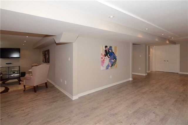 Detached at 123 Oberfrick Ave, Vaughan, Ontario. Image 9