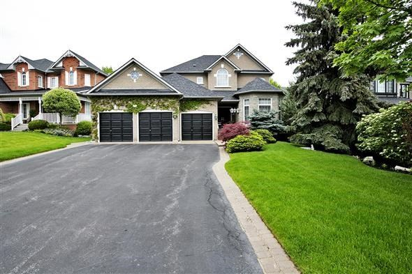 Detached at 771 Highland Blade Rd, Newmarket, Ontario. Image 1