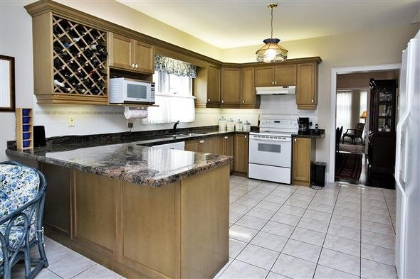 Detached at 771 Highland Blade Rd, Newmarket, Ontario. Image 17