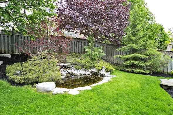 Detached at 771 Highland Blade Rd, Newmarket, Ontario. Image 8