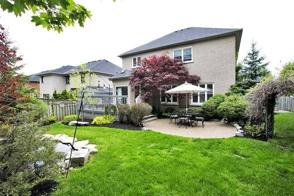 Detached at 771 Highland Blade Rd, Newmarket, Ontario. Image 10
