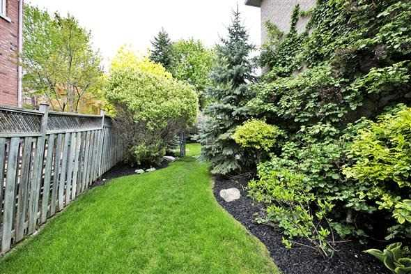 Detached at 771 Highland Blade Rd, Newmarket, Ontario. Image 11