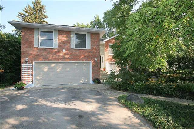 Detached at 709 Allan Ave, Newmarket, Ontario. Image 1