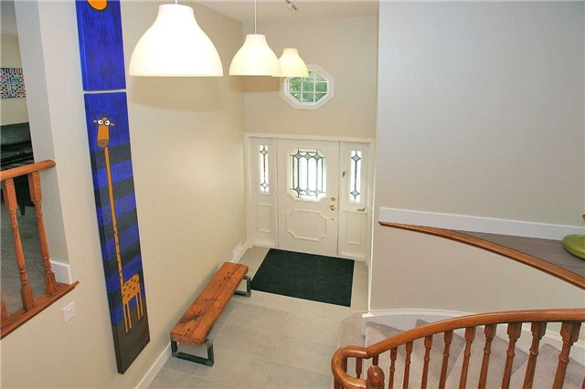 Detached at 709 Allan Ave, Newmarket, Ontario. Image 12