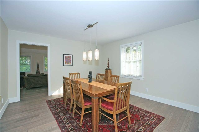 Detached at 709 Allan Ave, Newmarket, Ontario. Image 17