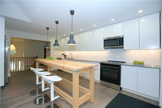 Detached at 709 Allan Ave, Newmarket, Ontario. Image 19