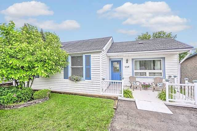 Detached at 724 Arthur St, Newmarket, Ontario. Image 13