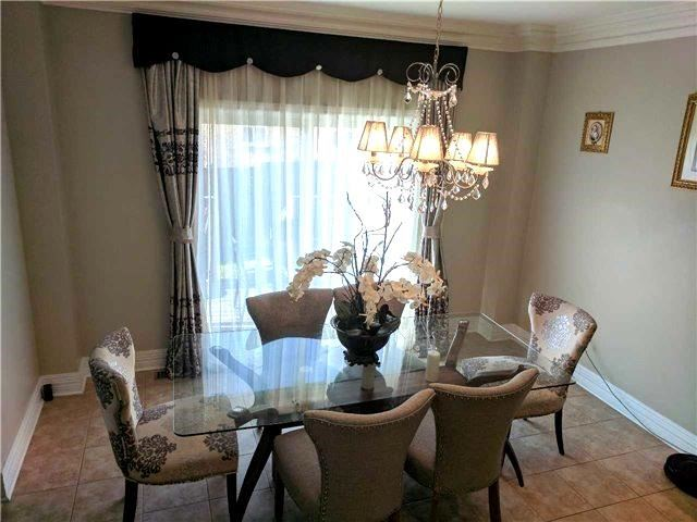Detached at 386 Old Colony Rd, Richmond Hill, Ontario. Image 11