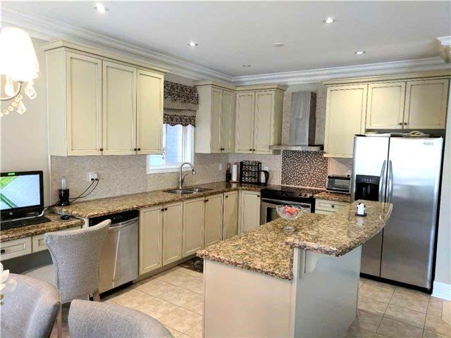 Detached at 386 Old Colony Rd, Richmond Hill, Ontario. Image 12