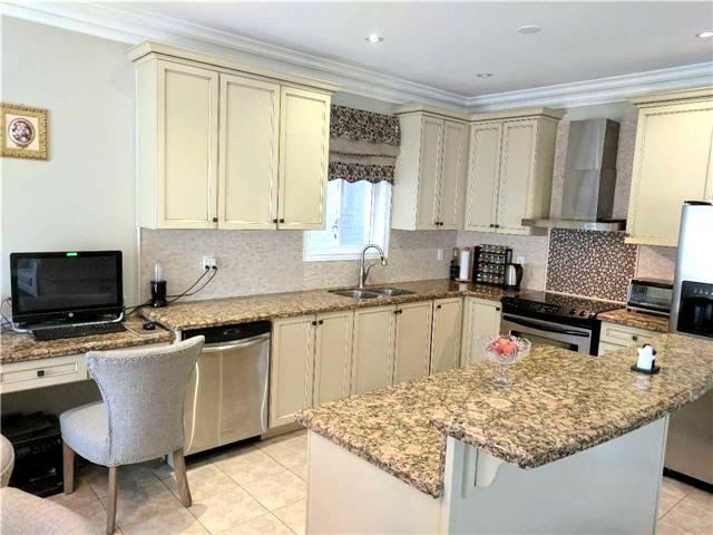 Detached at 386 Old Colony Rd, Richmond Hill, Ontario. Image 13