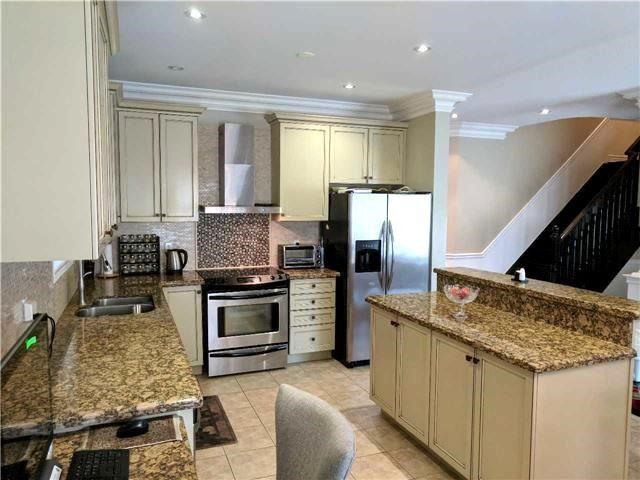 Detached at 386 Old Colony Rd, Richmond Hill, Ontario. Image 14