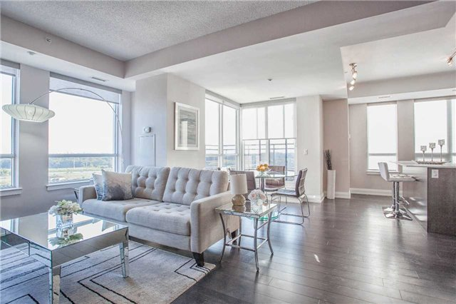 Condo Apartment at 370 Highway 7 E Ave, Unit Ph10, Richmond Hill, Ontario. Image 19