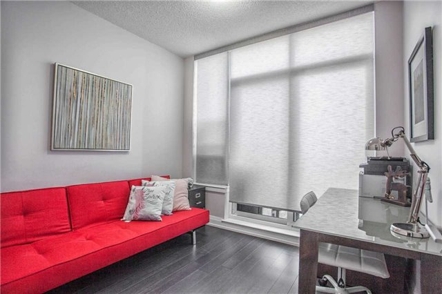 Condo Apartment at 370 Highway 7 E Ave, Unit Ph10, Richmond Hill, Ontario. Image 2