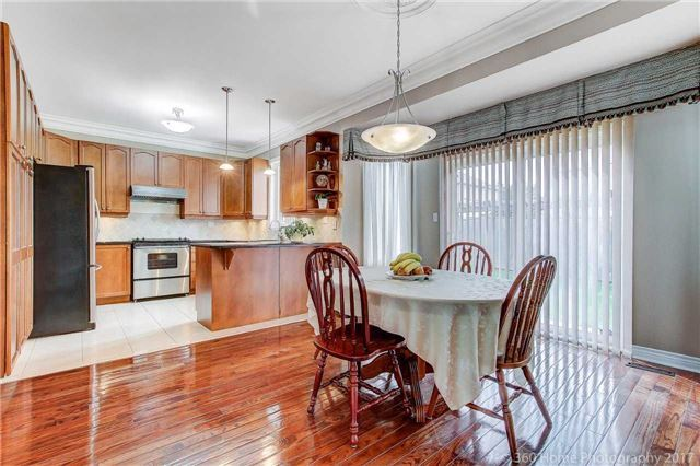 Detached at 33 Donhaven Rd, Markham, Ontario. Image 19