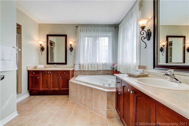 Detached at 33 Donhaven Rd, Markham, Ontario. Image 6