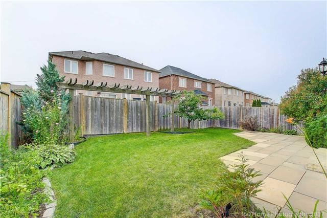 Detached at 33 Donhaven Rd, Markham, Ontario. Image 13