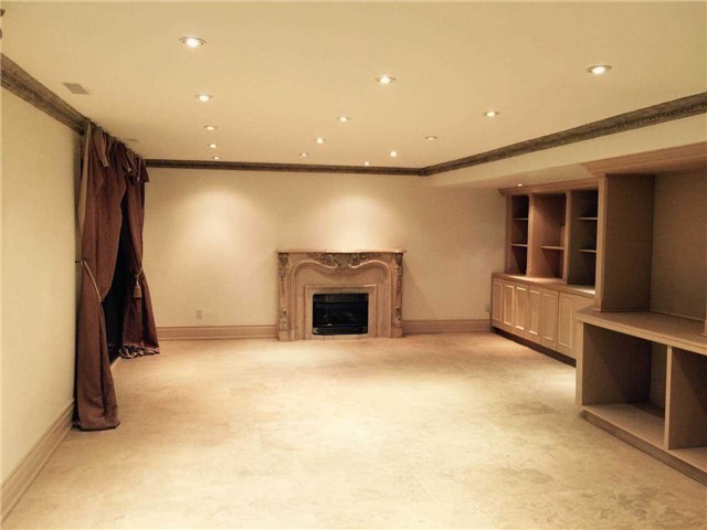 Detached at 1 Raymond Dr, Vaughan, Ontario. Image 10