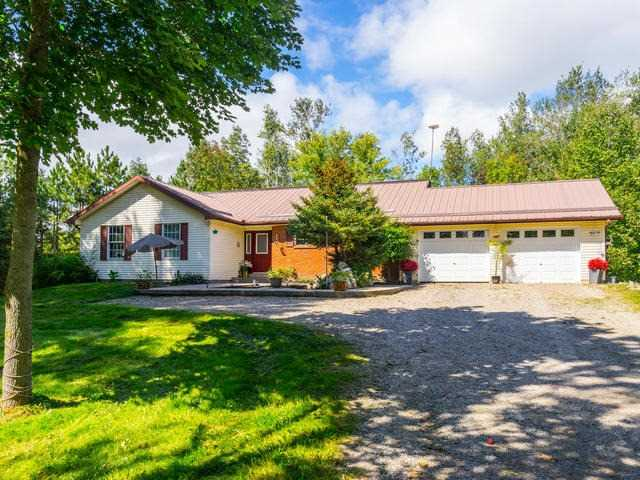 Detached at 7128 9th Line, New Tecumseth, Ontario. Image 1