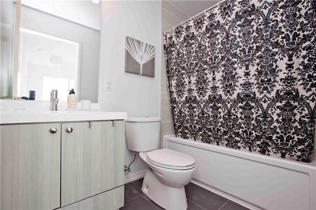 Condo Apartment at 540 Bur Oak Ave, Unit 611, Markham, Ontario. Image 2
