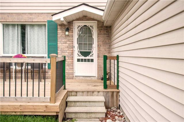 Detached at 140 The Queensway South Ave S, Georgina, Ontario. Image 13