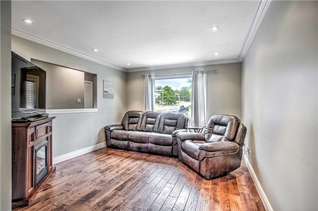 Detached at 140 The Queensway South Ave S, Georgina, Ontario. Image 15