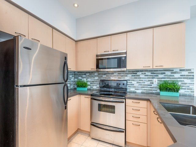 Townhouse at 78 Cedarcrest Cres, Richmond Hill, Ontario. Image 2