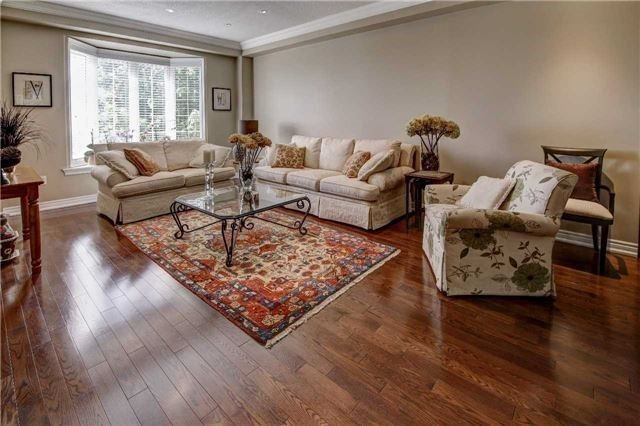 Link at 32 Carriage House Crt, Richmond Hill, Ontario. Image 15