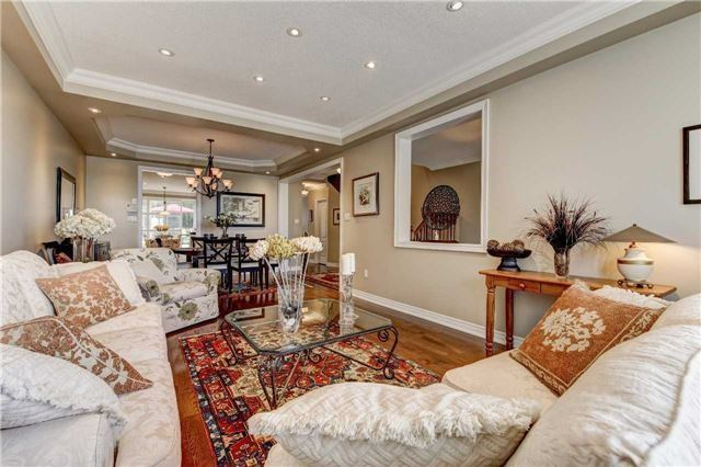 Link at 32 Carriage House Crt, Richmond Hill, Ontario. Image 16