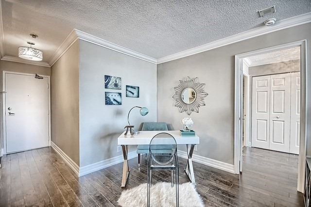 Condo Apartment at 22 Clarissa Dr, Unit 707, Richmond Hill, Ontario. Image 19