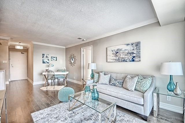 Condo Apartment at 22 Clarissa Dr, Unit 707, Richmond Hill, Ontario. Image 20