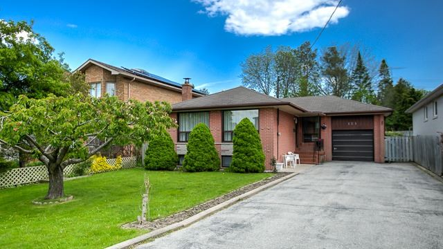 Detached at 121 Morgan Ave, Markham, Ontario. Image 1