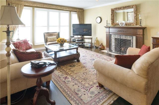 Detached at 698 Gagnon Pl, Newmarket, Ontario. Image 18
