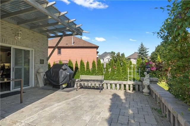 Detached at 698 Gagnon Pl, Newmarket, Ontario. Image 6