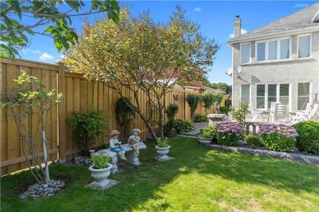 Detached at 698 Gagnon Pl, Newmarket, Ontario. Image 8