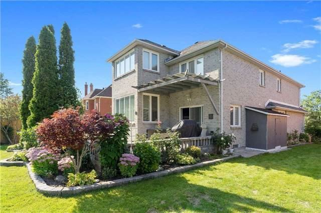 Detached at 698 Gagnon Pl, Newmarket, Ontario. Image 9