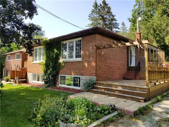 Detached at 62 Broda Dr, Vaughan, Ontario. Image 2