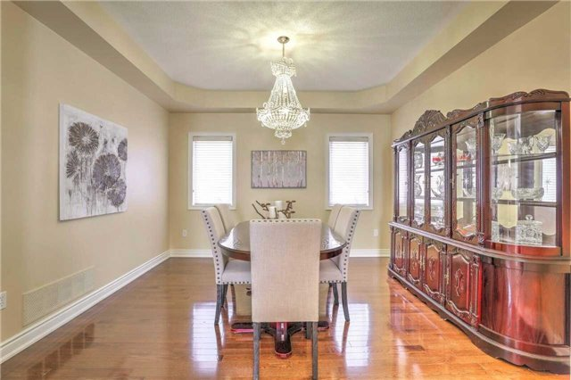 Detached at 28 Heirloom St, Richmond Hill, Ontario. Image 16
