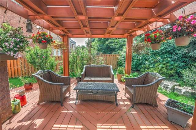 Detached at 28 Heirloom St, Richmond Hill, Ontario. Image 10